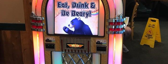 Black Bear Diner is one of Lugares favoritos de John.