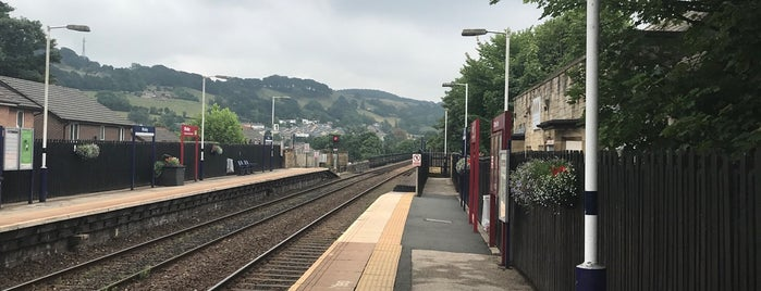 Whalley Railway Station (WHE) is one of Orte, die Ricardo gefallen.