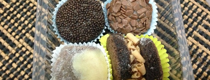 Brigadeiros Fabiana D'Angelo is one of Locais curtidos por Marcello Pereira.