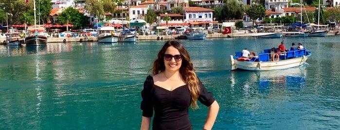 Kaş Çarşı is one of Lieux sauvegardés par Yasemin Arzu.