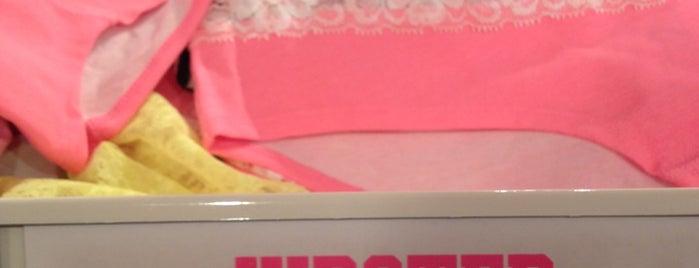 Victoria's Secret is one of Lugares favoritos de Sergio M. 🇲🇽🇧🇷🇱🇷.