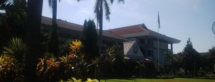 Dinas Perhubungan Provinsi Jawa Timur is one of Government of Surabaya and East Java.