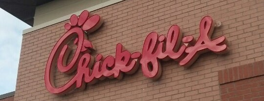 Chick-fil-A is one of Wesさんのお気に入りスポット.