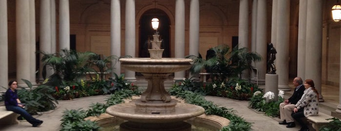 The Frick Collection is one of Nueva York.
