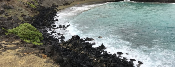 Papakolea (Green Sand Beach) is one of HI spots.