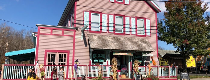 Catskill Mountain Country Store - Tannersville is one of Dog Friendly Restaurants & Bars.