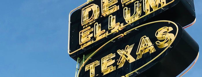 Deep Ellum is one of Places to go.