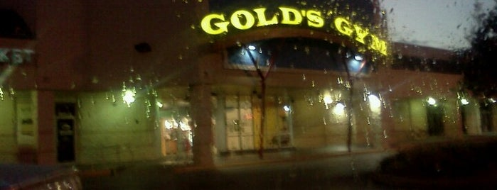 Gold's Gym is one of Sixto 님이 좋아한 장소.