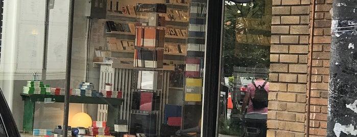 Take Note Store is one of Orte, die Alberto gefallen.