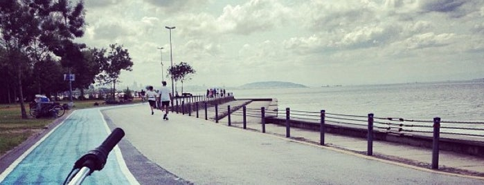 Caddebostan Sahili is one of Istanbul ♥ Cadde.