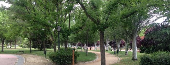 Parque Las Comunidades is one of Jonatan'ın Beğendiği Mekanlar.