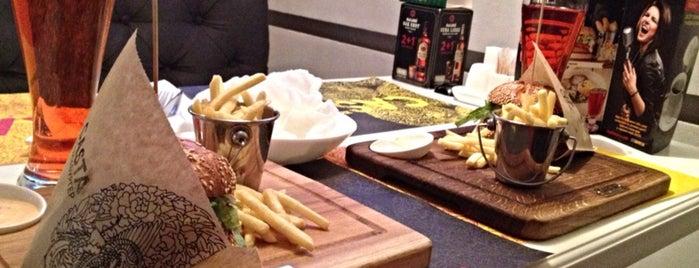 CASTA Sushi & Burger is one of Posti che sono piaciuti a Elena.