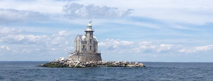 Stratford Shoal (Middle Ground) Lighthouse is one of Places I want to go.