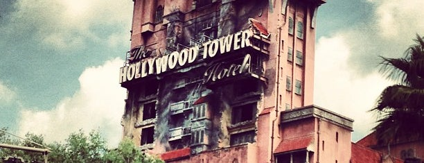 The Twilight Zone Tower of Terror is one of Tempat yang Disukai Lindsaye.
