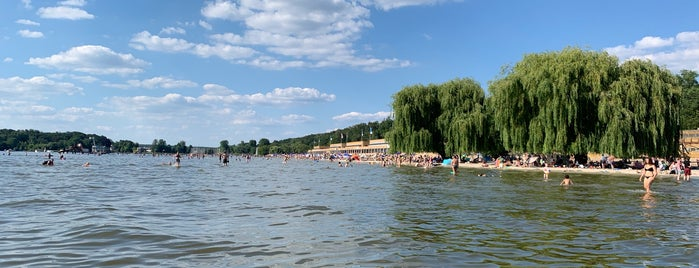 Strandbad Wannsee is one of Locais curtidos por Jon.