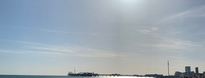 Kemp Town Beach is one of Lieux qui ont plu à Chris.