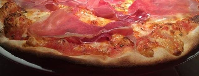 Estacion 420 Pizza&Drinks is one of comida.