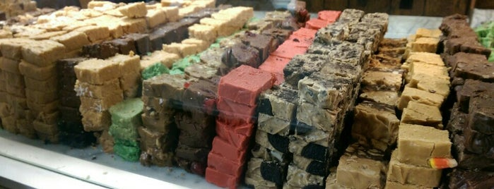 Fudge Kitchen is one of Locais salvos de Carlo.