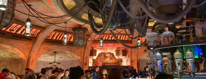 Oga's Cantina is one of Lugares favoritos de Andy.