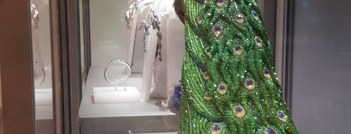 Swarovski is one of Veni Vidi Vici İzmir 2.