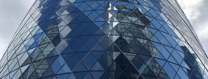 30 St Mary Axe is one of Lugares favoritos de Jaroslav.
