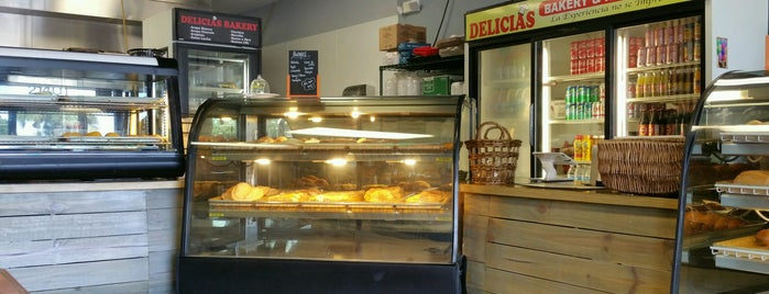 Delicias Bakery Restaurant is one of LUGARES VISITADOS.