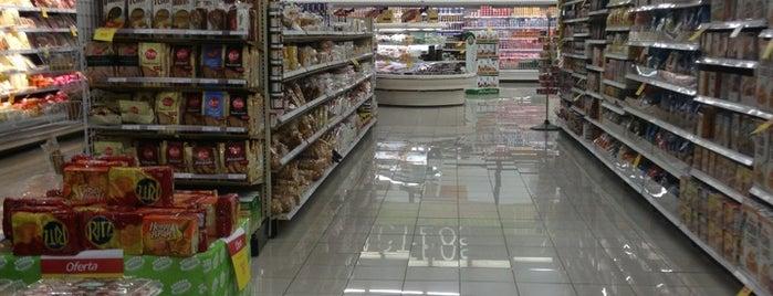 Supermercado Nacional is one of Tempat yang Disukai Rolando.