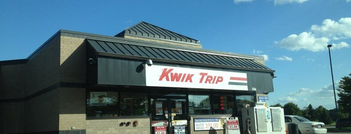Kwik Trip is one of Locais curtidos por Aaron.
