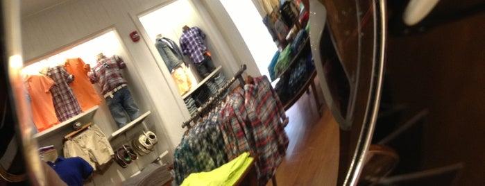 American Eagle Store is one of Tempat yang Disukai Carol.