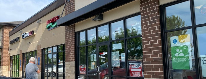 Sport Clips Haircuts of West Des Moines - Mills Civic is one of Austin : понравившиеся места.
