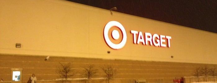 Target is one of Tempat yang Disukai Aaron.