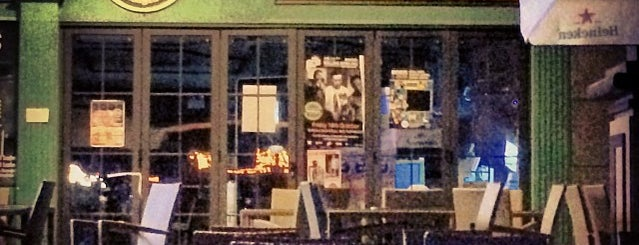 Hooley's Irish Pub & Restaurant is one of Sonia : понравившиеся места.