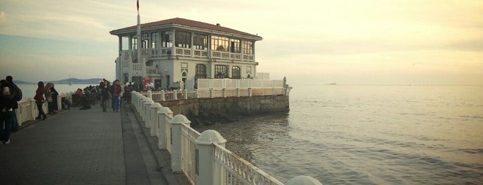 Tarihi Moda İskelesi is one of Istanbul Tourist Attractions by GB.