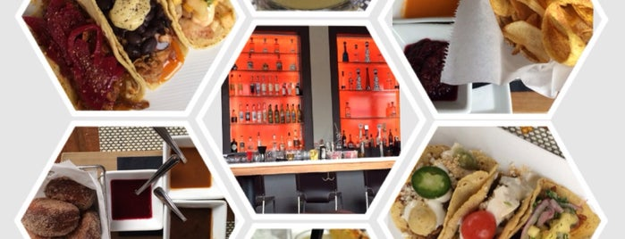 Bar Mas is one of Chicago Service Industry Discounts.