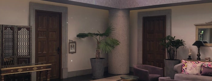 Hotel Real Maestranza is one of Posti che sono piaciuti a Eduardo.