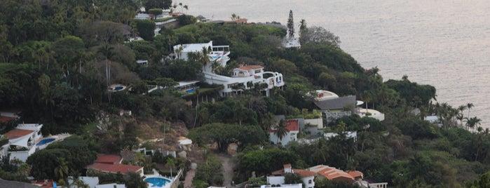 Acapulco de Juárez is one of สถานที่ที่ Eduardo ถูกใจ.