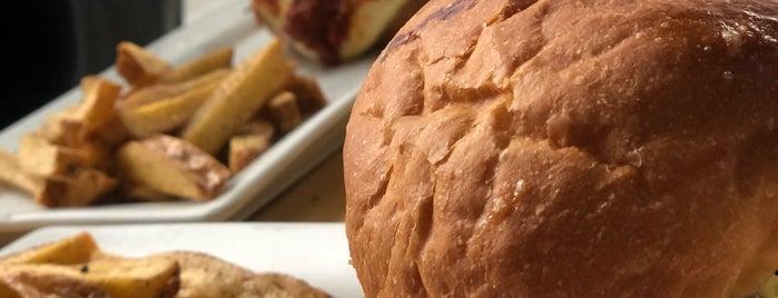 La Burguesa is one of Posti che sono piaciuti a Eduardo.