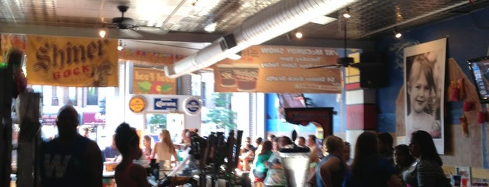 Clark St. Beach Bar is one of United Mileage Plus Dining Spots.