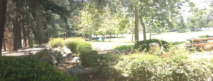 Cedar Grove Park is one of Lieux qui ont plu à Reyner.