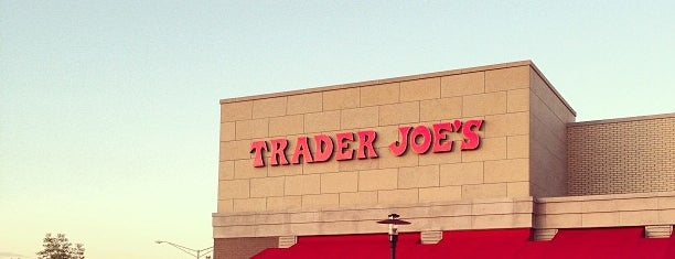 Trader Joe's is one of Stephen'in Beğendiği Mekanlar.