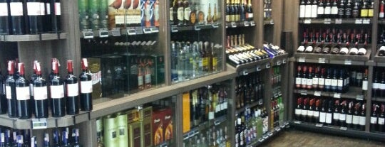 Fonseca Supermercados is one of Locais 1.
