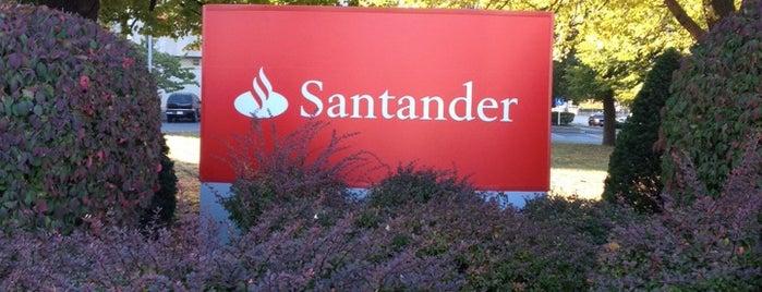 Santander Bank is one of Orte, die Gabriel gefallen.