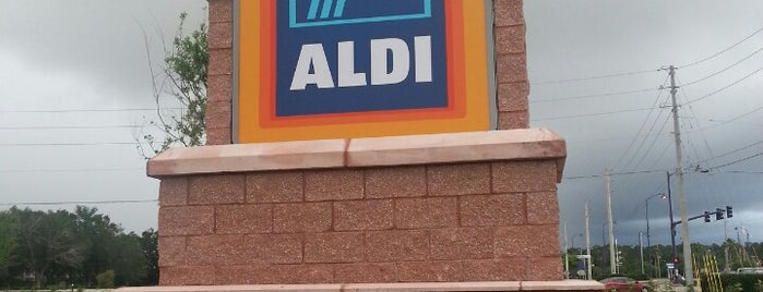 ALDI is one of Lieux qui ont plu à Andrii.