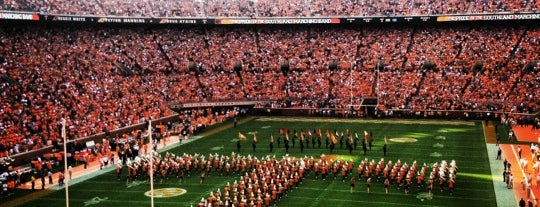 Neyland Stadium is one of Lisa 님이 좋아한 장소.