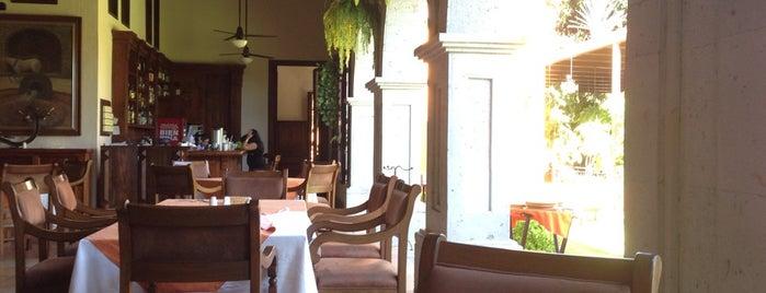 Restaurante El Abolengo is one of Tempat yang Disimpan Eric.