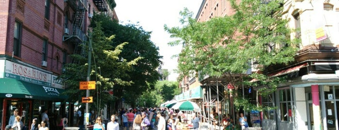 Orchard Street Pedestrian Mall is one of De magie van New York.
