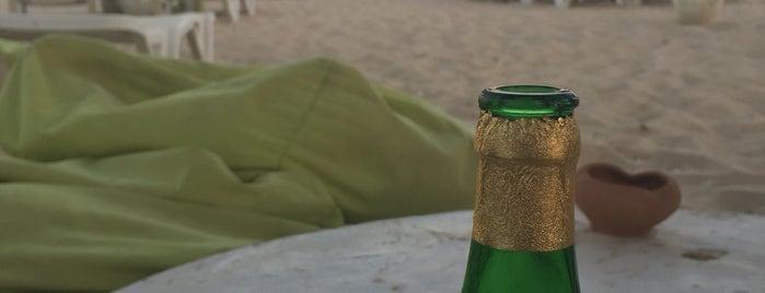 Plug Beach Bar is one of Lugares favoritos de Mehdi.