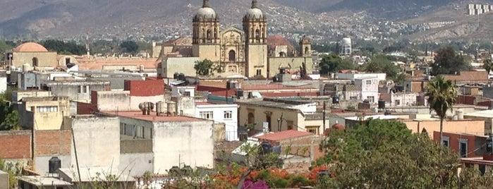 Hotel Parador Crespo is one of สถานที่ที่ Gabii ถูกใจ.