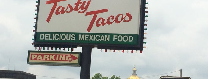 Tasty Tacos is one of Evan[Bu] Des Moines Hot Spots!.