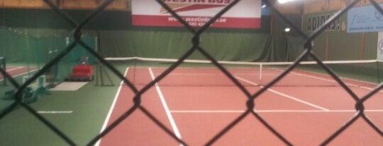 Stockholms Tennishall is one of Locais curtidos por Irene.